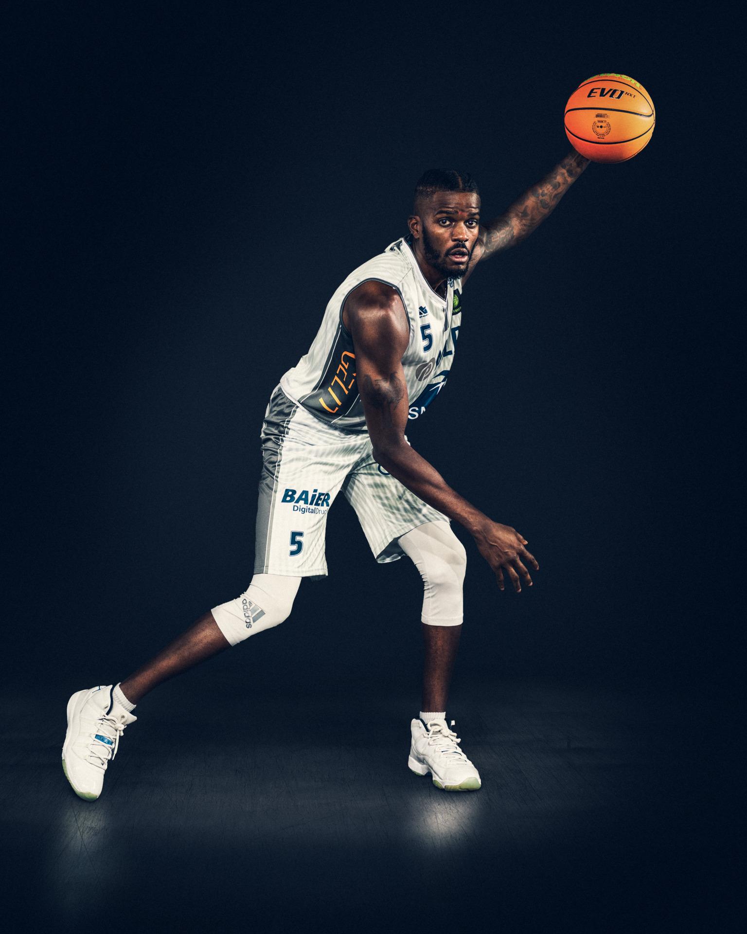 Basketball-Spieler Shyron Ely von den MLP Academics